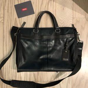 Black leather tumi briefcase excellent condition